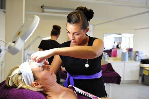 How Much Money Can You Make Working As A Beauty Therapist