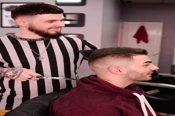 How Much Do Barbers Make a Week? - Candor Professional ...